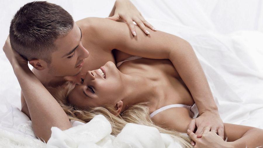 Ce beneficii îți aduce sexul regulat?