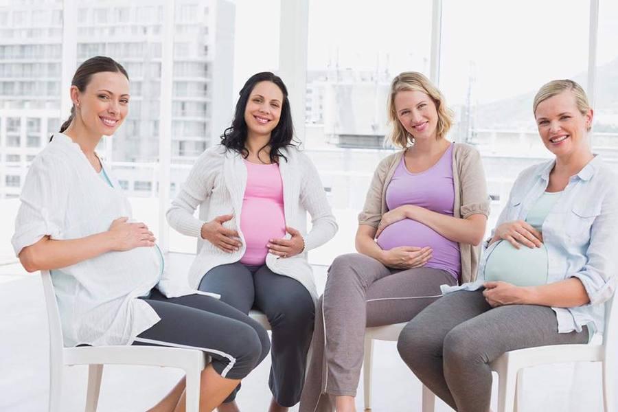 La ce vîrstă vrei să devii mamică? Nașterea la 20, 30 sau 40 ani.